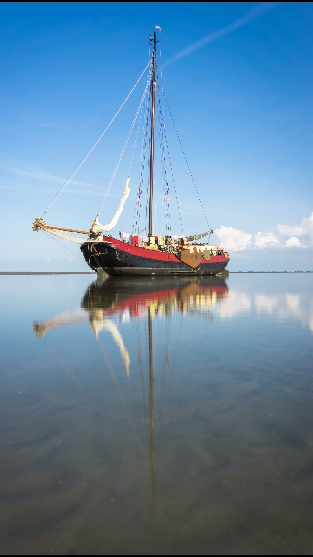 Dry out on the shallows during an sailing trip