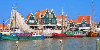 De vissershaven van Volendam