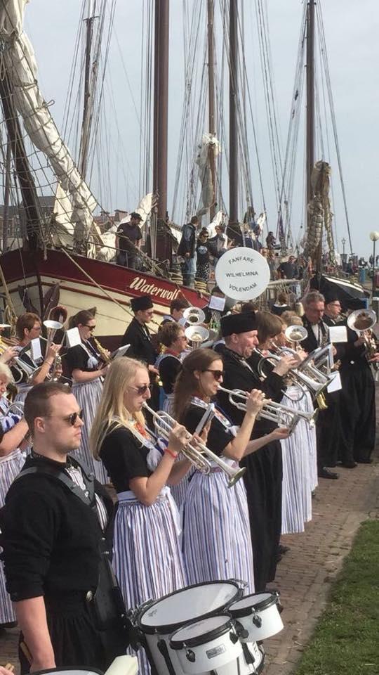 Beroemde klederdracht van Volendam