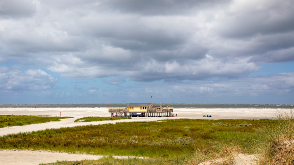 Strandpaviljoen op Schermonnikoog