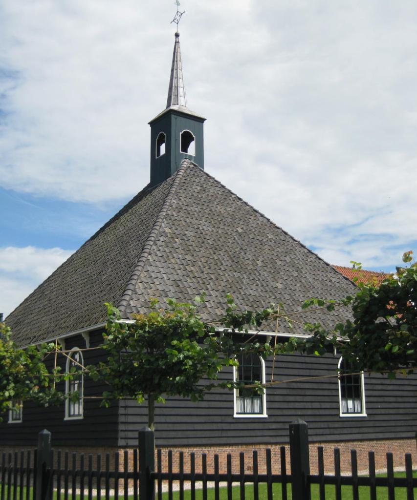 Het beroemde Stolp hoeve kerkje in Volendam
