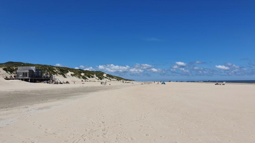 Strandtent Oost op strand Stortemelk op Vlieland